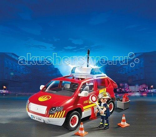 Конструктор Playmobil Пожарная служба: Пожарная машина командира со светом и звуком  Пожарная служба: Пожарная машина командира со светом и звуком – набор, который познакомит ребенка с новой профессией.  Командир пожарной машины может привлечь внимание людей, распорядиться через рупор об освобождении проезда или территории.  На красной машине установлена сирена.   Водитель автомобиля сможет проехать даже через занятую множеством машин мостовую, так как, подавая сигнал, оповещает о том, что…