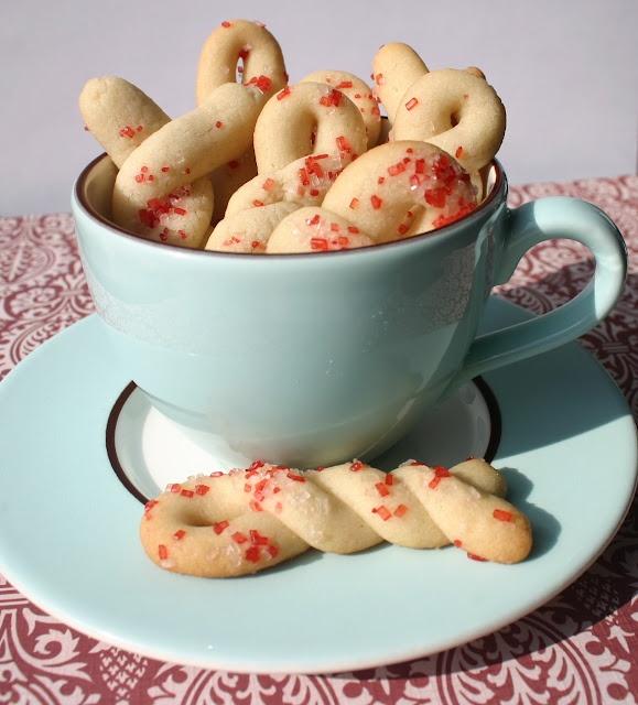 My Retro Kitchen: Butter Twist Cookies
