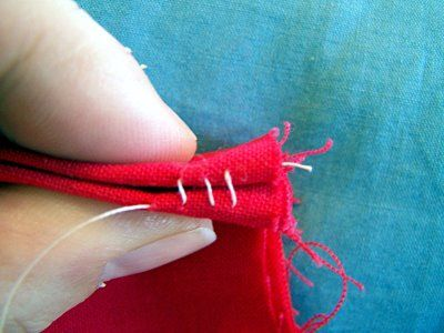 Steps for invisible hand stitches/ Pasos para hacer costuras invisibles a mando
