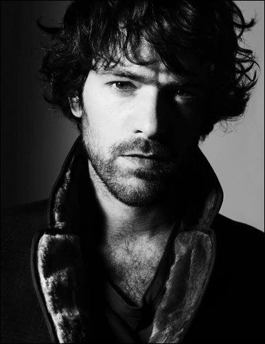 The gorgeous and very talented Romain Duris.