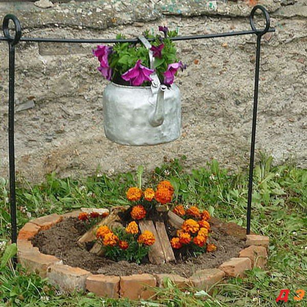 Campfire Flowers...these are the BEST DIY Garden & Yard ideas!