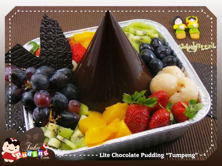 "Lite chocolate Pudding ""Tumpeng"""