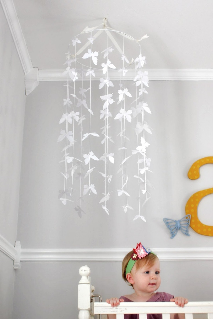 Diy butterfly mobile butterfly chandelier mobile - 170 Best Garland And Mobiles Images On Pinterest Paper Diy And Baby Room