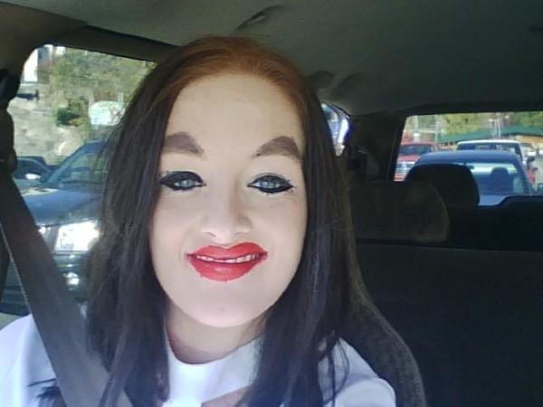 makeup mask: White Chicks, Face, Girl, Funny Stuff, Humor, Makeup Fails, Wtf, Apply Makeup