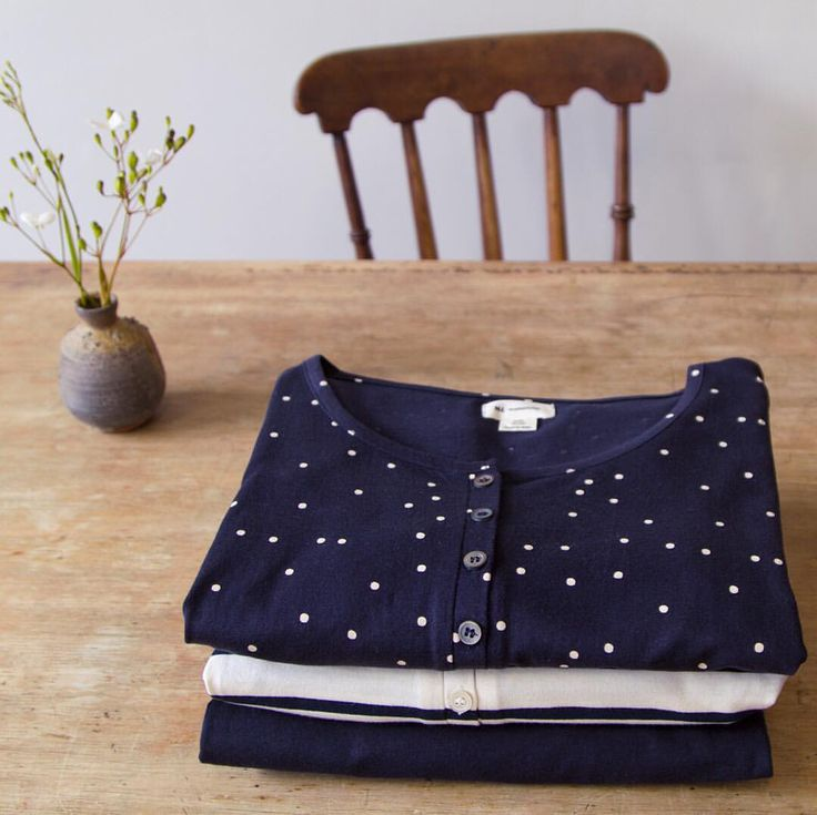"""Nature Baby on Instagram: """"Our beautiful new season maternity tops have arrived! Made of 100% organic cotton, designed to grow with the mum-to-be, and give & hold where they need to. Perfect for all stages of pregnancy, and post-birth with easy nursing access. In store and online now xx #organiccotton #maternity #naturebaby"""""""