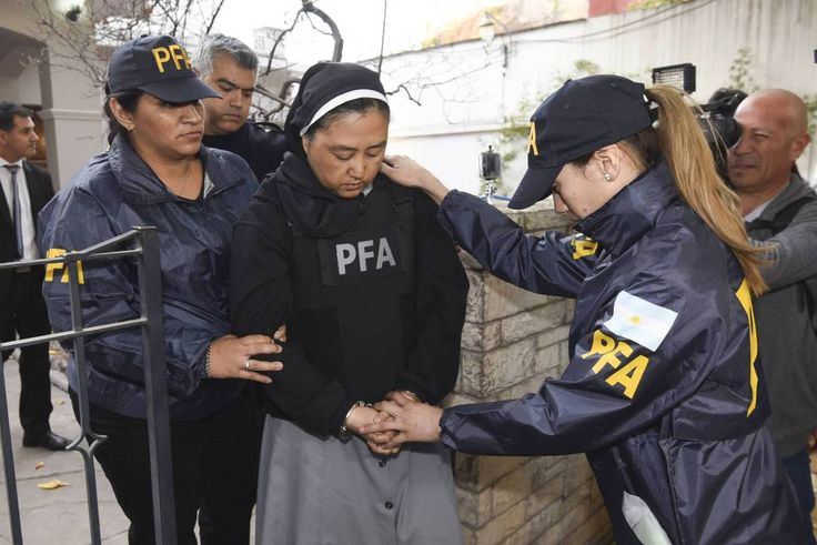 Detenida en Argentina una monja acusada de elegir a niños sordos  para curas violadores http://www.eldiariohoy.es/2017/05/detenida-en-argentina-una-monja-acusada-de-elegir-a-ninos-sordos-para-curas-violadores.html?utm_source=_ob_share&utm_medium=_ob_twitter&utm_campaign=_ob_sharebar #inglesia #gente #denuncia #españa #politica #corrupcion #Spain #pp #protesta #curaspederastas #iglesiacomplice #abusos #abusodemenores
