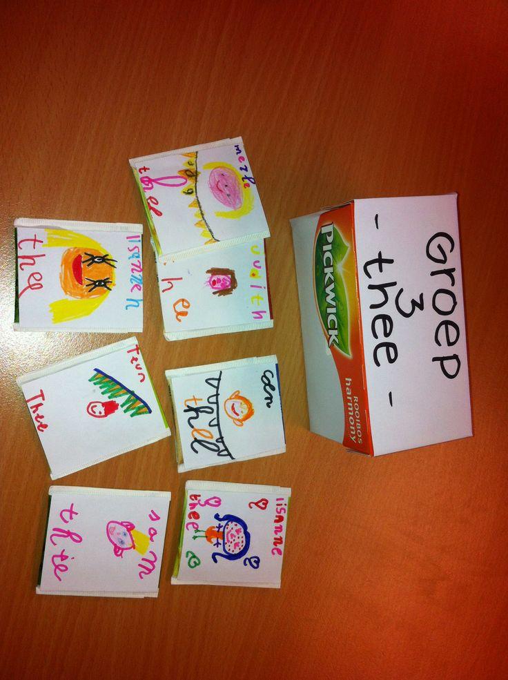 Groep 3 thee. Alle kinderen maken hun eigen thee zakje. Bv Simon- thee met hen portret erop. Achterop iets aardigs schrijven. Evt theeglas erbij geven, zakjes in leuk doosje doen. Voor afscheid stagiaire bv