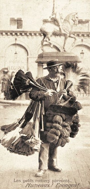 Street feather-duster man.  Paris, circa 1900.