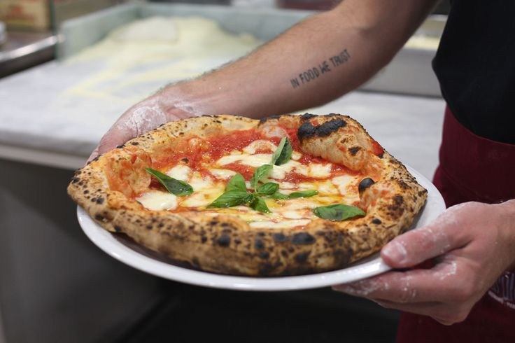 Ecco i segreti che abbiamo imparato per riuscire a fare in casa la Pizza Napoletana. Segui la nostra ricetta!