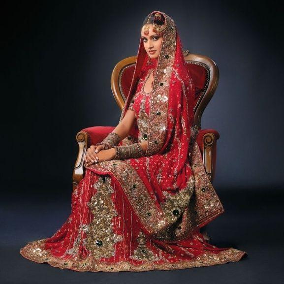 une robe de mariée indienne !                                                                                                                                                                                 Plus