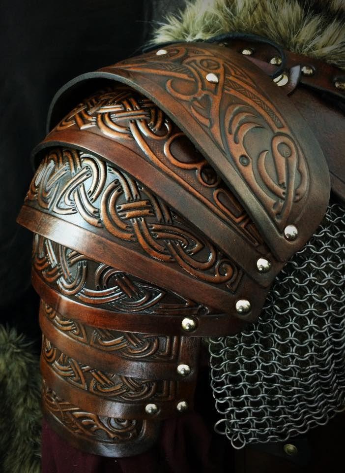 shoulders kit vendel embossed