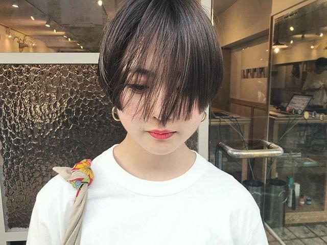 Taku Minowaさんはinstagramを利用しています Salon Work 髪型がファッションになるショートヘア ハンサムショート 内側暗め可愛い People Omotesando People Aoyama People Minowa Hairstyle