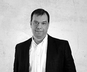 "Alexander Remizov | Αρχιτέκτονας, REMIstudio | Alexander Remizov graduated from the Moscow Architectural Institute (MARCHI).In 1995 he founded the architectural studio Remistudio, which entered the top 50 sustainable architectural studios in the World, received the award ""Green Planet Architects Award 2013""."