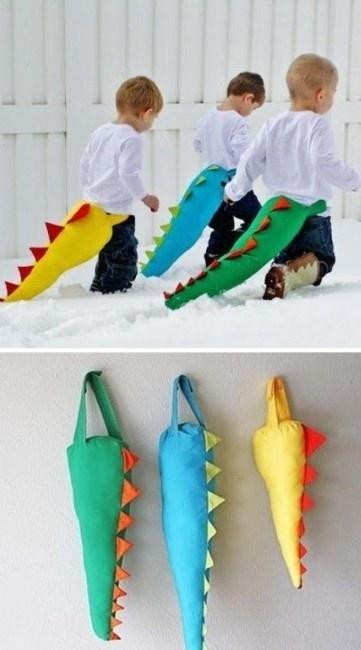 www.mommo-design.blogspot.com Dinos...let's play