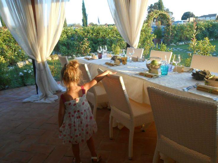 Romantic Wedding in Tuscany, romantic wedding in romantic restaurant Taverna di Bibbiano between Siena and San Gimignano. Sunset time