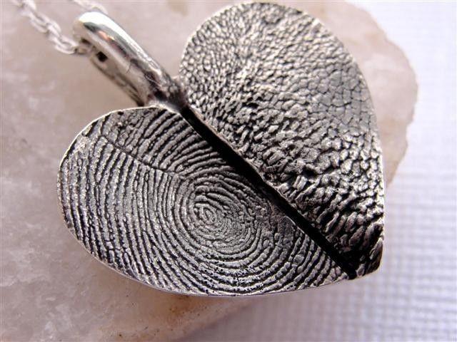 Thumb and paw print heart <3