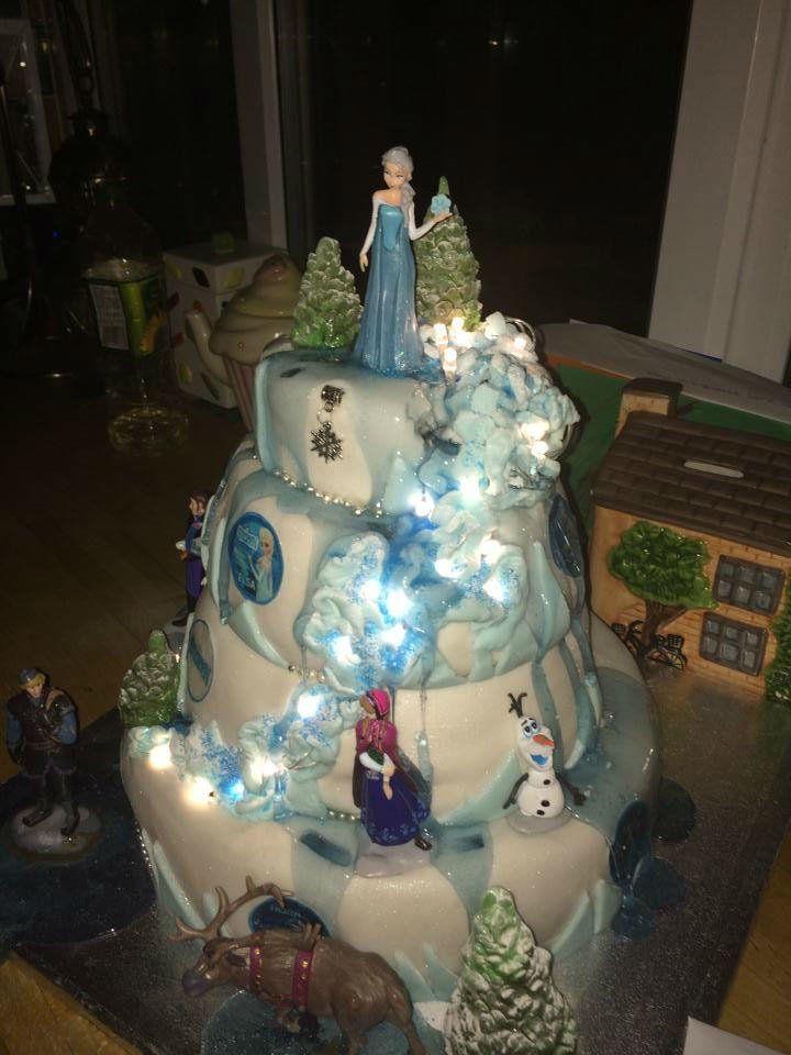 14 best Frozen cakes images on Pinterest Frozen cake Frozen party