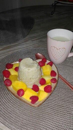 Lekker# mugcake#havermout#mango#framboos#amandelmelk
