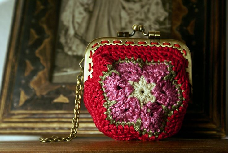 Romantic rose granny square kisslock coin purse, cotton yarns, metal frame. by Hishuk on Etsy