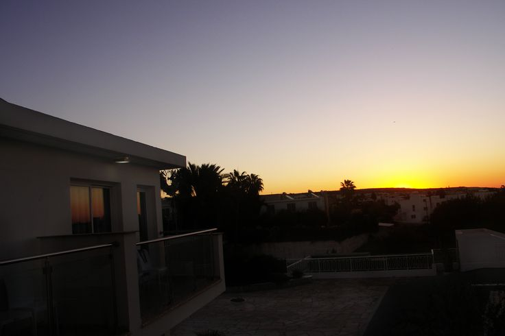 Ayia napa se řadí k nejvyhledávanějším a nejživějším letoviskům Kypru.Turistický blázinec prostě.