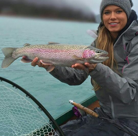 17 best images about fishing on pinterest sexy bow for Brooke thomas fishing