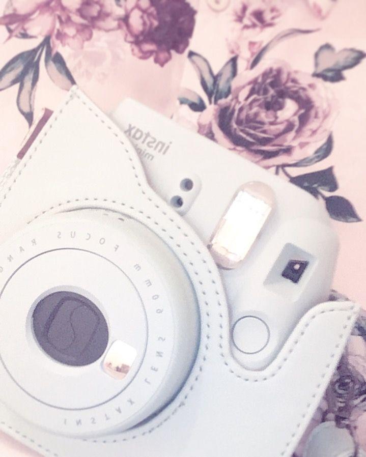 Fuji Film Instax Mini 9 Polaroid Camera.