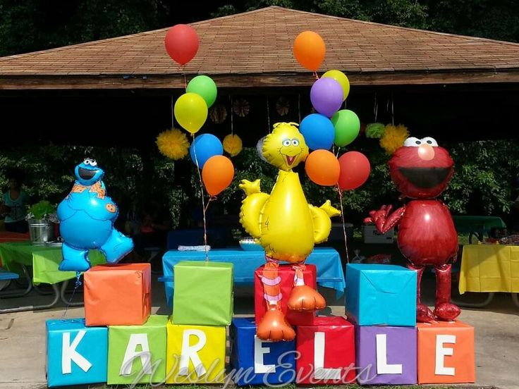 Fun decorations at a Sesame Street birthday party! See more party planning ideas at CatchMyParty.com!
