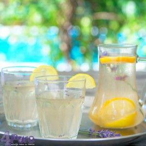 Lavendel limonade: een heerlijk zomers drankje, verfrissend en simpel te maken. Daar kom je mee voor de dag!