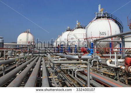 Petrochemical gas storage tank in an oil refinery