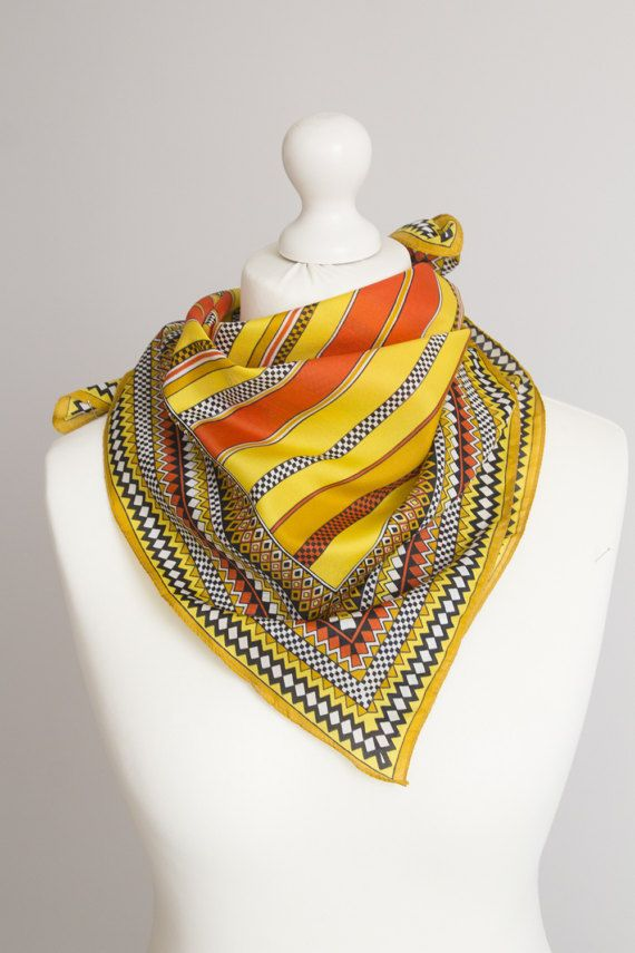 Square vintage scarf, retro scarf, polyester scarf, fabric women scarf shawl  Size: 67cm / 26 Fabric: polyester  Good condition Small signs of use