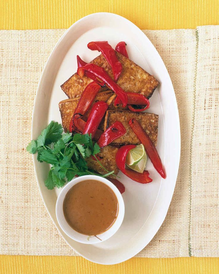 Our spicy peanut sauce is inspired by the one used in satay, a common Indonesian dish. The sauce is a perfect accompaniment to the mild-flavored tofu.