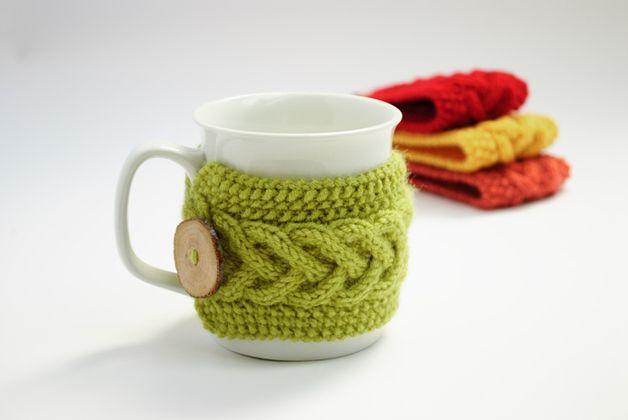 Becher & Tassen - Tassenwärmer in grün, Kaffeewärmer, Cup Cozy - ein Designerstück von valknitting bei DaWanda
