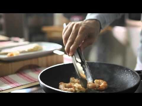 Filetti di spigola con vongole e gamberi al cartoccio #Star #ricette #pesce #filetti #spigola #vongole #gamberi #cartoccio #food #recipes