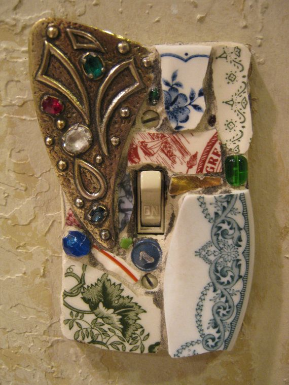 Save your old jewelry, beach glass, ceramics to make your own switch plates like these.: Beachglass, Lights Switch Plates, Lights Switch Covers, Broken Plates, Diy Lights, Mosaics Switch, Vintage Brooches, Old Jewelry, Beaches Glasses