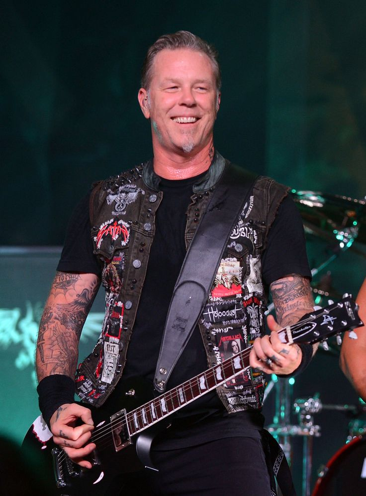 James Hetfield Photos Photos - SiriusXM Presents Metallica Live At The Apollo Theater - Zimbio