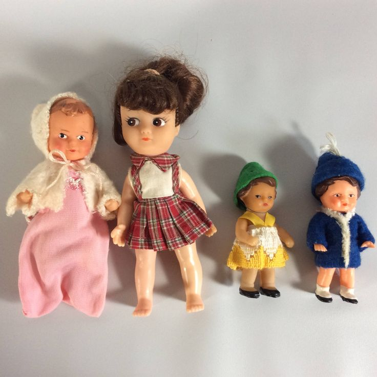 "Doll house Dolls Set of 4 Various Sizes 4"" and 3"" Sized Small Dolls Baby Small Rubber Plastic Doll Set Vintage by KoolKoolThangs on Etsy"