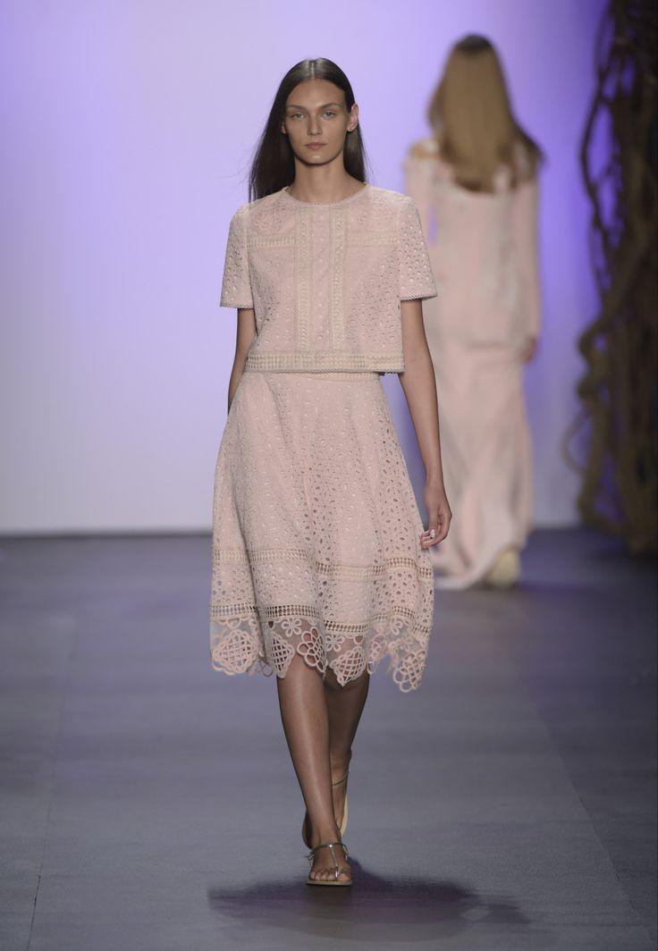 Mejores 230 imágenes de Tadashi Shoji en Pinterest   Desfile de moda ...