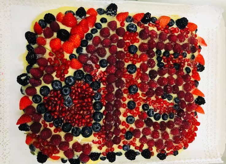 Made by me  Torta 🍰 frutti di bosco