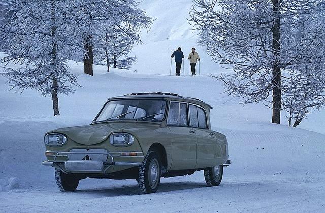 Citroën Ami 6 : selon moi, une des plus laide (et poussive) voiture produite.