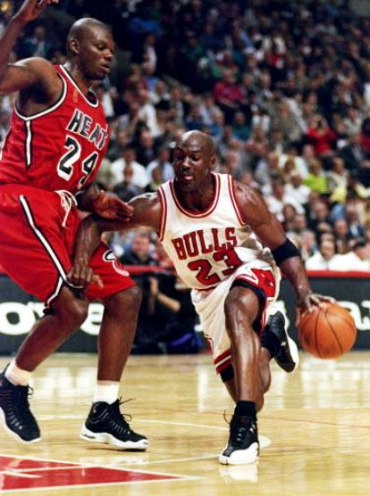 Flashback Best Shoes Worn With The Original Miami Heat Red Road Alternate Uniform