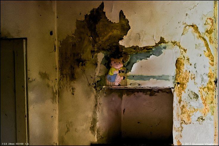 Strange things found in ruins   ▫▪▫▪▫▪▫▪▫▪ #myshot #abandoned #urbanexplorer #ghosttown #canon #reflex #droneforgood #abandonedplaces#beautifuldecayofabandonedplaces #instatravel#urbex #filming #aerialphotography #photooftheday #decay #travel #travelgram #castles #dronesdaily #exploring #forgotten #derelict #dji #drones #dronestagram #photogram #phantom4 #dronelife #lostplaces #djiglobal