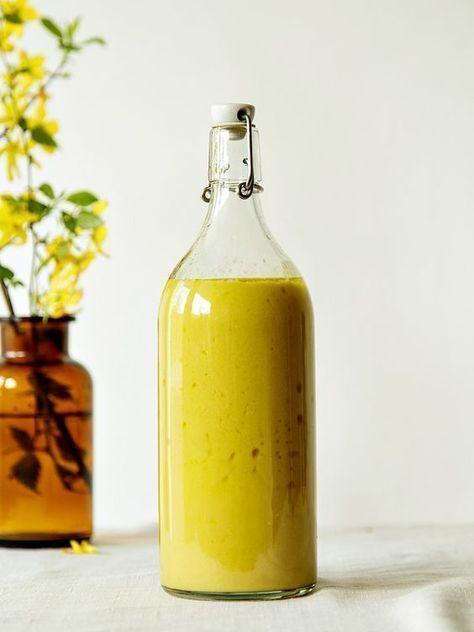 Honig-Senf-Dressing auf Vorrat machen. Warum bin ich da nicht vorher drauf gekommen? Macht Salat zubereiten so viel schneller...