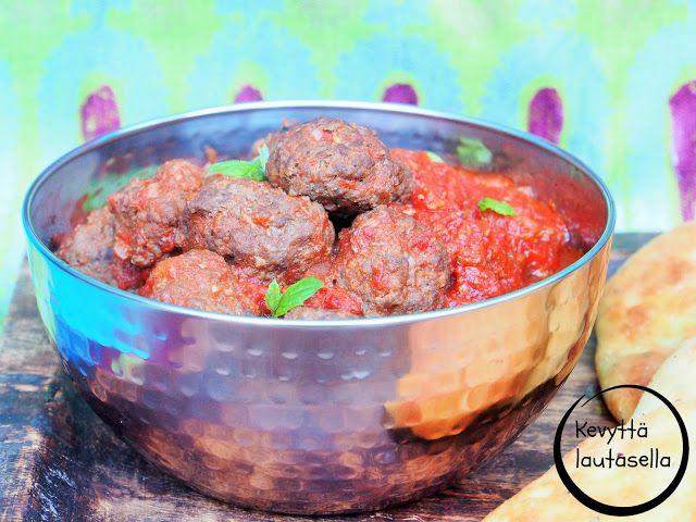 Peggyn pieni punainen keittiö: Intialaiset lihapullat ja lihapullien oikea määrä ...
