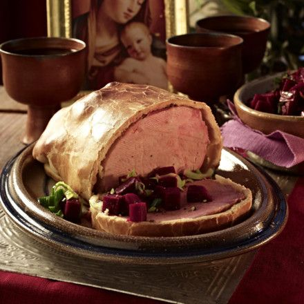 Schinkenbraten im Brotteig (nach altrömischer Art) mit Rote Bete Rezept   LECKER