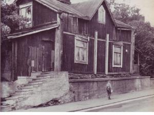 Kellokkaan pohjoistontilla aikoinaan sijainnut asuintalo.