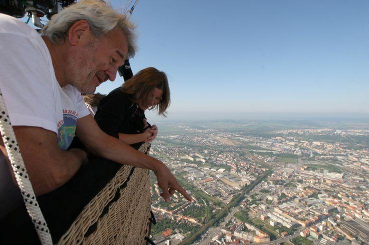 V koši balonu 700 metrů nad Brnem