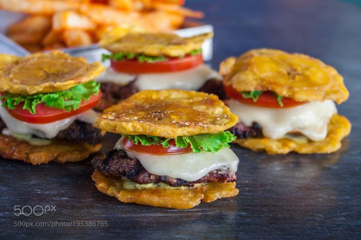 Tostones burger with tomato and cheese by LuisVilleda