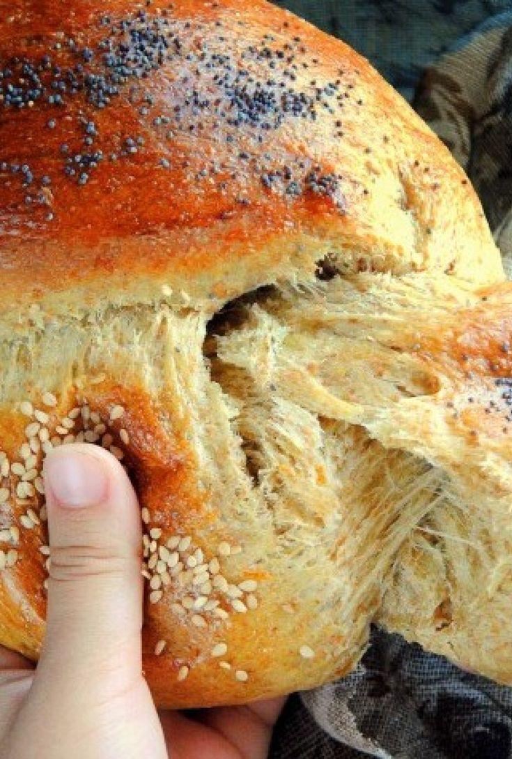 Τα τσουρέκια αλά Sofeto , αφράτα και μοσχομυριστά , με αλεύρι ολικής αλέσεως , χωρίς ζάχαρη!