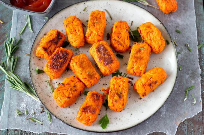 Crispy on the outside, tender on the inside.  These sweet potato tots are oven baked (not fried) making them the perfect healthy snack or side dish.  Only 3 ingredients and a few minutes and you ca...