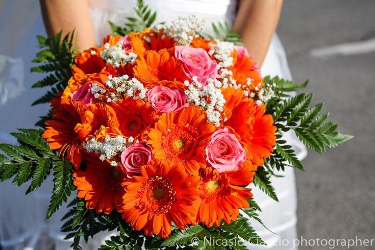 Bouquet Sposa gerbere arancioni e rose rosa